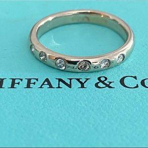 14k white gold ring with vs diamond